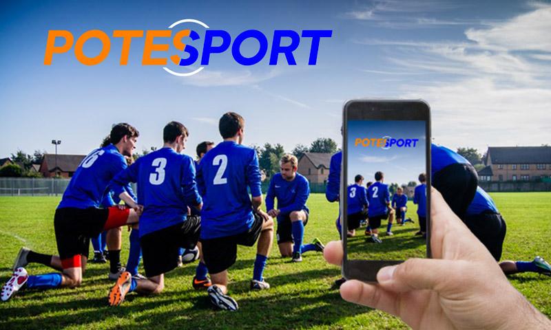 Equipe de foot, genoux à terre